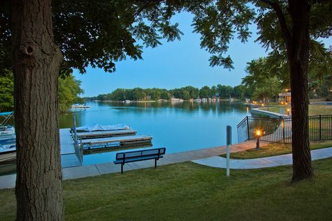 Photo of 401 Harbourtown Dr, Noblesville, IN 46062