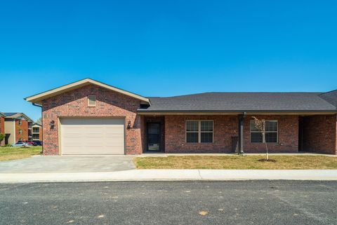 Photo of 1750 Redwood Dr, Webb City, MO 64870