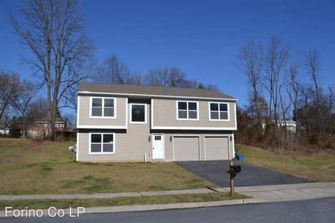 Photo of 1355 Philip Ave, Reading, PA 19508