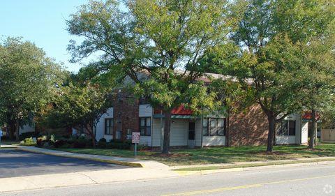 Photo of 130 Doolittle Rd, Hampton, VA 23669