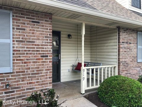 Photo of 919 Bradley Bell Dr, Knoxville, TN 37938