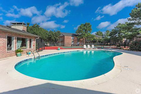 Photo of 401 University Oaks Blvd, College Station, TX 77840