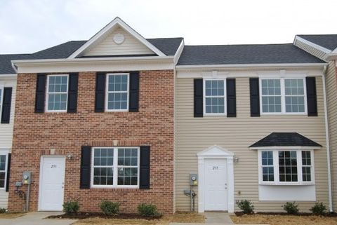 Photo of 237 Patriots Pl, Woodstock, VA 22664