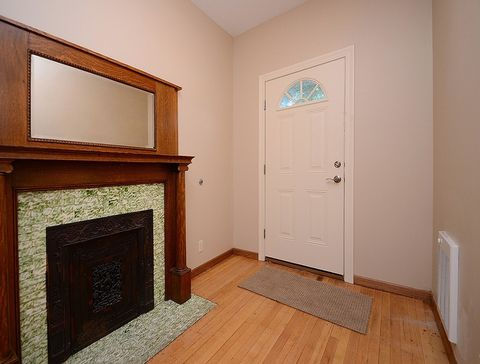 Photo of 523 S 26th Ave Apt 1, Omaha, NE 68105