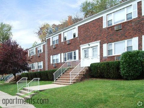 Photo of 468 W End Ave, North Plainfield, NJ 07060