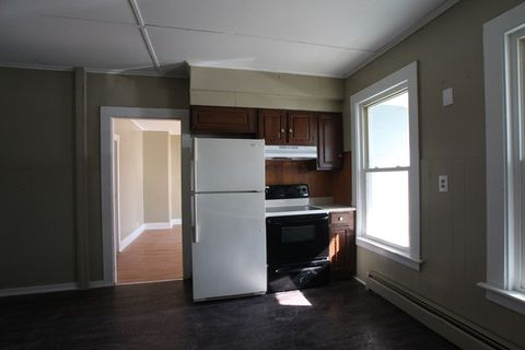 Photo of 2 First St # 1, Waterville, ME 04901