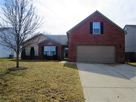 Photo of 714 Bluff Creek Dr, Fortville, IN 46040