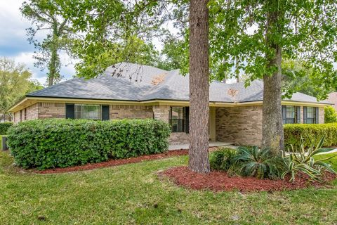 Photo of 1801 Grassington Way N, Jacksonville, FL 32223