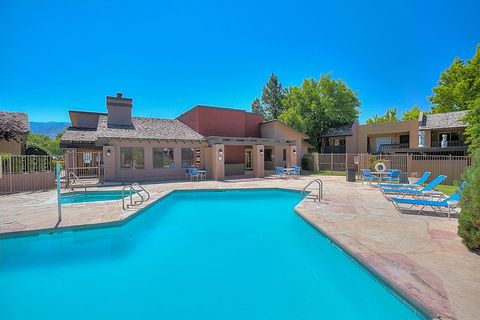 Photo of 4401-4501 Morris St Ne, Albuquerque, NM 87111
