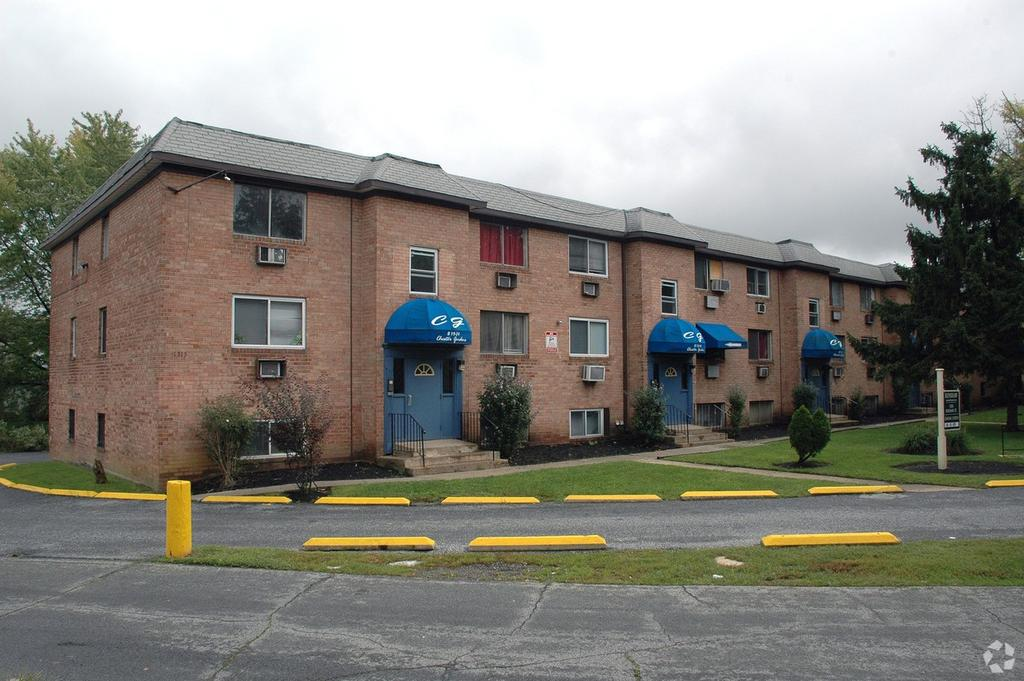 Renshaw Apartments