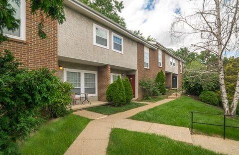 535 Cedar Hill Dr, Allentown, PA 18109