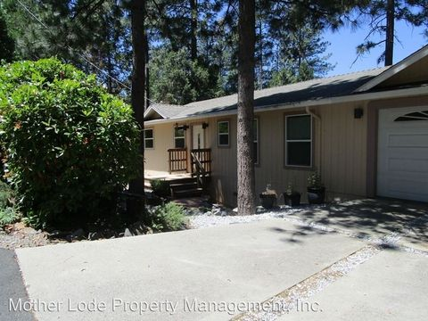 20448 Sherry Ct, Soulsbyville, CA 95372