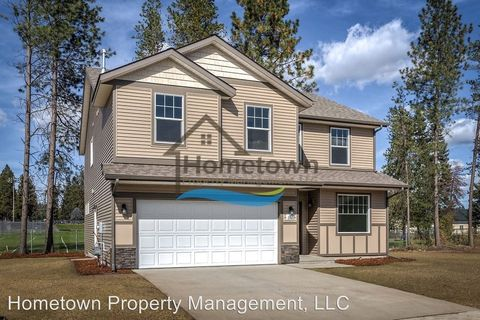 6861 W Christine St, Rathdrum, ID 83858