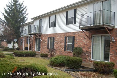 412 Crystal Valley Dr Apt 9, Middlebury, IN 46540
