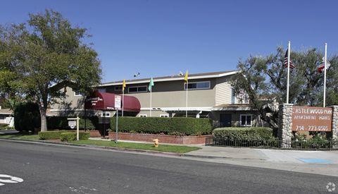 6968 Campus Dr, Buena Park, CA 90621