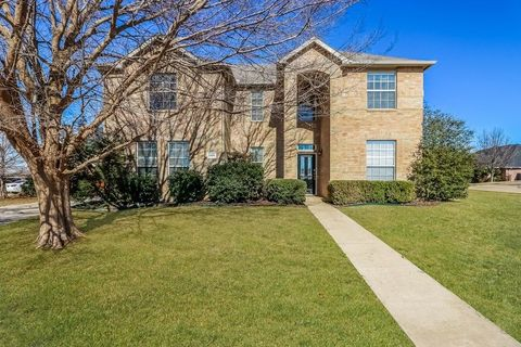 Photo of 1304 Blue Gill Ct, Crowley, TX 76036