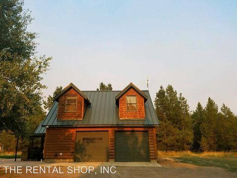 Photo of 17110 Shawnee Cir, Bend, OR 97707