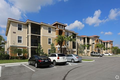 4725 Via Bari  Lake Worth  FL 33463Lake Worth  FL Apartments for Rent   realtor com . Apartments For Rent In Lake Worth Fl. Home Design Ideas