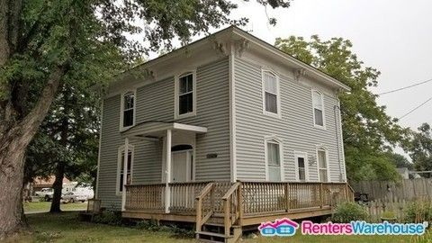 1190 Oak St, Baldwin, WI 54002