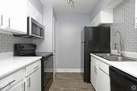 Photo of 3201 E Park Row Dr, Arlington, TX 76010