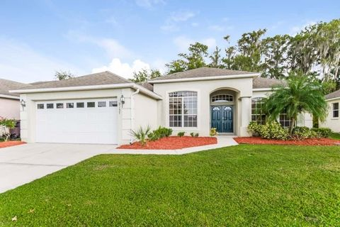Photo of 2137 The Oaks Blvd, Kissimmee, FL 34746