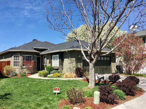 9800 W Sleepy Hollow Ln, Garden City, ID 83714