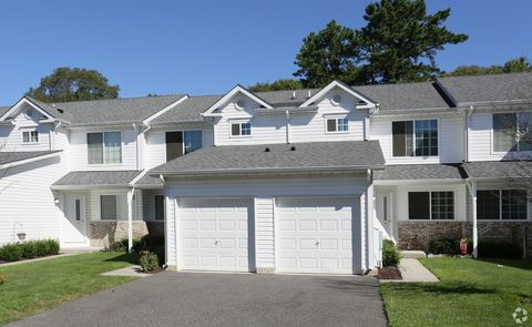 2135 Route 112, Coram, NY 11727
