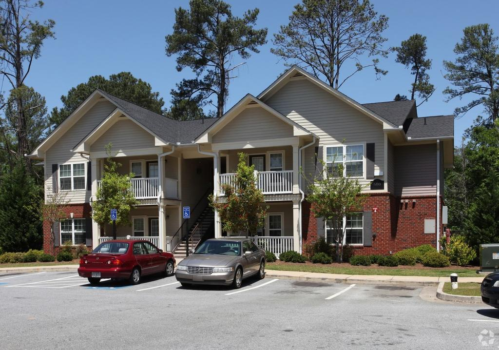 Pinewood Park Apartments