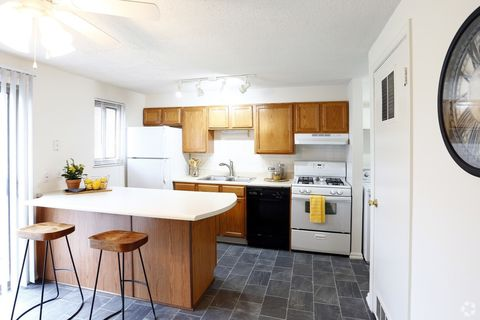 Southtown Meadows Fort Wayne In Apartments For Rent Realtor Com