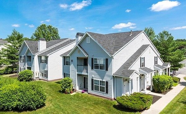 1 Town View Dr, Wappingers Falls, NY 12590