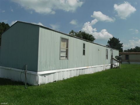 405 Oaks Dr, Kinston, NC 28504
