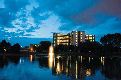 1417 Valley Lake Dr, Schaumburg, IL 60195