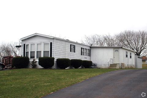 Photo of 202 Skyline Dr, Berwick, PA 18603