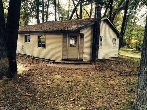 511 W Forest Park Rd, Twin Lake, MI 49457