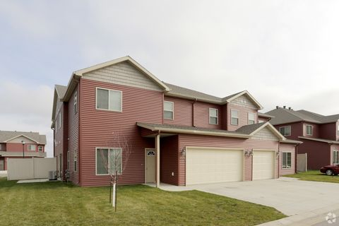 Photo of 820 15th St N, Dilworth, MN 56529