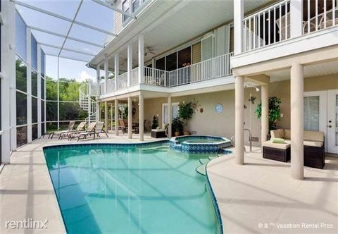 21500 Indian Bayou Dr, Fort Myers Beach, FL 33931