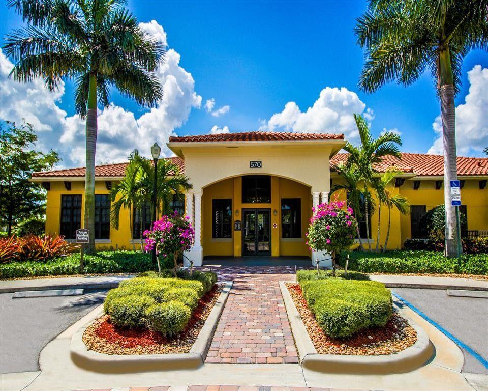 570 Christina Dr Royal Palm Beach Fl 33414