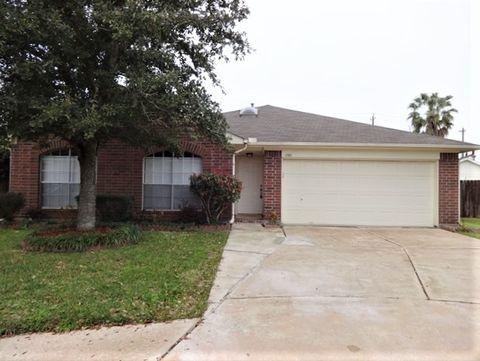 Photo of 1703 Oak Meadow Dr, Kemah, TX 77565
