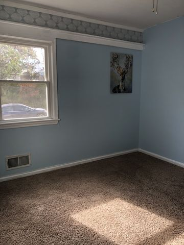 Photo of 5112 Hollywood Blue 5 X Rd Rm 11, College Park, MD 20740