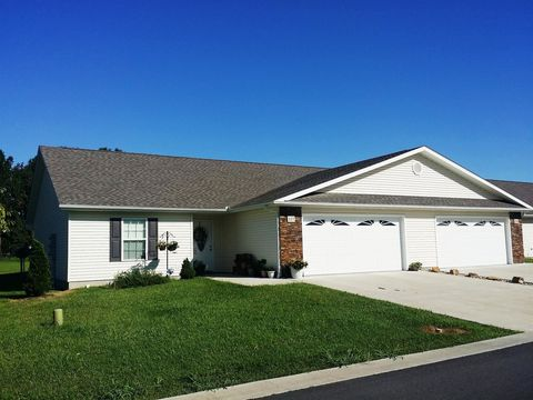 Photo of 100 Timber Trail Dr, Carterville, IL 62918