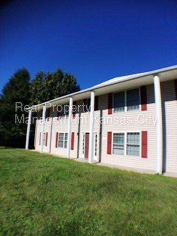 400 E Main St, Smithville, MO 64089