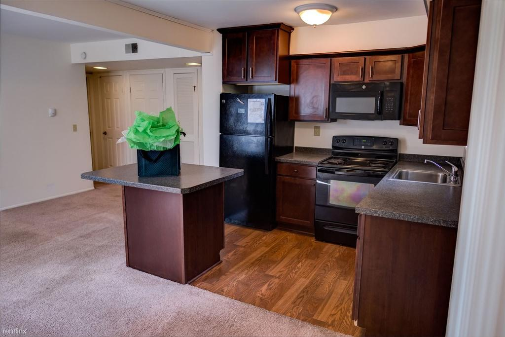 Apartments Near MSU | College Student Apartments
