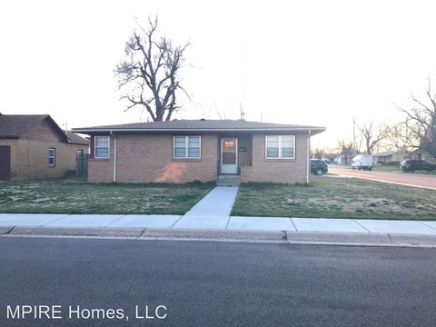 2219 San Domingo Dr, Great Bend, KS 67530
