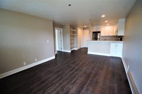 Photo of 15267 Hesperian Blvd, San Leandro, CA 94578