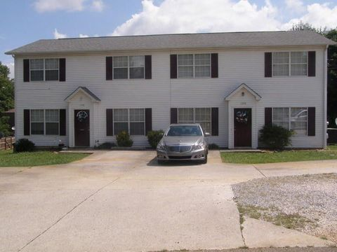 Pleasant Knoxville Tn Condos Townhomes For Rent Realtor Com Home Interior And Landscaping Ferensignezvosmurscom