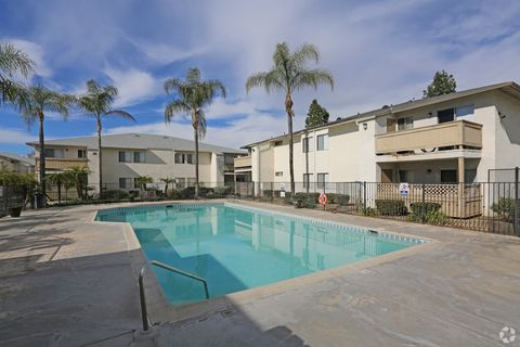 12905 Mapleview St, Lakeside, CA 92040
