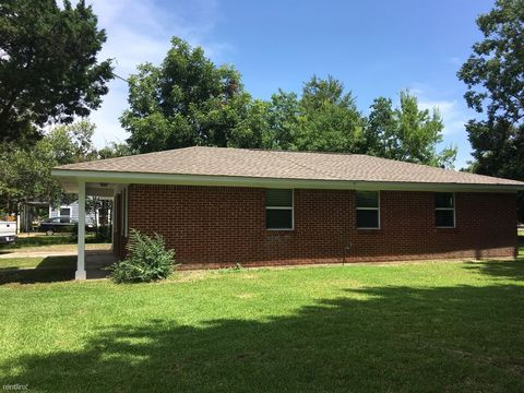 604 Sycamore St, Bay Saint Louis, MS 39520