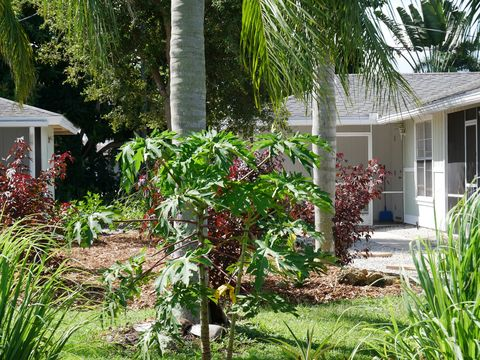 Photo of 816 96th Ave N, Naples, FL 34108