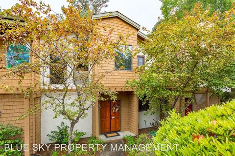 6105 Abbey Rd, Aptos, CA 95003