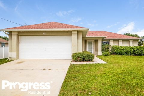 Photo of 1305 Sw 11th Ter, Cape Coral, FL 33991